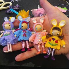 It's supposed to snow here later today but it's feeling li… Wood Peg Dolls, Clothespin Dolls, Felt Dolls, Doll Toys, Worry Dolls, Tiny Dolls, Doll Tutorial, Waldorf Dolls, Doll Crafts