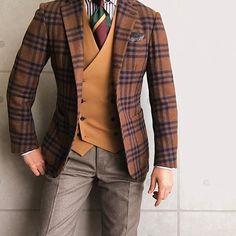 #FRANCOBASSI Chief #THOMASMASON Pants #ROTA * * * #mensfashion #menstyle #menswear #mnswr #wiwt #gentleman #fashion #fashiongram #instafashion #instastyle #coordinate #code #ootd #photooftheday #outfit #outfitpost #dapper #stylish #me #jacket #menwithclass #ファッション #コーディネート #beam... Der Gentleman, Gentleman Style, Gentleman Fashion, Mens Fashion Suits, Mens Suits, Fashion Outfits, Style Masculin, Designer Suits For Men, Elegant Man