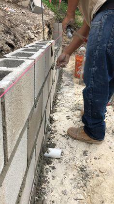 Diy Retaining Wall, Backyard Retaining Walls, Retaining Wall Design, Concrete Retaining Walls, Concrete Planters, Concrete Block Foundation, Concrete Block Walls, Cinder Block Walls, Backyard Garden Design