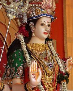 Tera kataksh Bina tathya apne hi streetva aur purushartha ko samapt aur upjaau mitti ka vinaash hi to hai. Maa Durga Photo, Maa Durga Image, Lord Durga, Durga Ji, Mother Goddess, Goddess Lakshmi, Shiva Tandav, Shiva Art, Ganpati Bappa Wallpapers