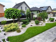90 Simple and Beautiful Front Yard Landscaping Ideas on A Budget - LivingMa. - mit kleinem Budget 90 Simple and Beautiful Front Yard Landscaping Ideas on A Budget - LivingMa. Cheap Landscaping Ideas, Landscaping Supplies, Small Backyard Landscaping, Landscaping With Rocks, Mulch Ideas, Privacy Landscaping, Landscaping Software, Backyard Ideas, Modern Front Yard