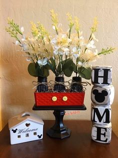 Discover recipes, home ideas, style inspiration and other ideas to try. Mickey Mouse Crafts, Mickey Mouse Decorations, Disney Themed Rooms, Disney Bedrooms, Disney Diy Crafts, Disney Home Decor, Disney Kitchen Decor, Casa Disney, Disney House