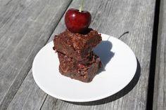 Tout Cru Dans Le Bec: Carrés chocolatés aux cerises