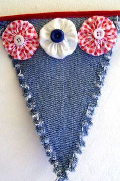 Denim Pennant w/YoYos by DuctTapeAndDenim, via Flickr - good idea for July with old jeans