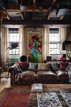 Eclectic loft apartment designed by Lev Lugovskoy, situated in Russia. Loft Estilo Industrial, Industrial Interiors, Industrial Style, Industrial Living, Kitchen Industrial, Industrial Bedroom, Industrial Lamps, Industrial Design, Modern Interiors