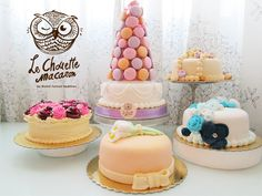 Some cakes and sweet macaron tower with strawberry velvet base cake..miam!