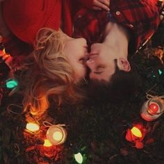 An adorable Christmas photo session that includes an actual surprise proposal!