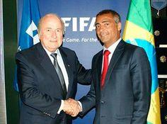 "Romário, con Sepp Blatter en una imagen de archivo. ""Cada día rezo para que arresten a Sepp Blatter"", ha señalado Romário en entrevista con La Gazzetta dello Sport."