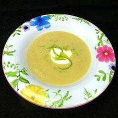 Tolles Rezept mit Infos für Lauchcremesuppe. Zum Speiseplan beigesteuert von aus-meinem-kochtopf.de | Die Frage: was koche ich heute? ist beantwortet Thai Red Curry, Cantaloupe, Soup, Fruit, Ethnic Recipes, Blog, Stew, Cooking Recipes, Soups