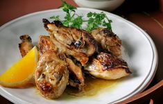 Chicken with orange and spices Greek Cooking, Special Recipes, Orange, Chicken Wings, Poultry, Chicken Recipes, Recipies, Spices, Pork