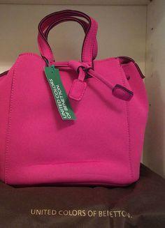 Zara, Gucci, Benetton, Nike, Kate Spade, Fashion Trends, Color, Beautiful Bags, Spinning Top