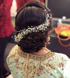 Bridal Hairstyle Indian Wedding, Bridal Hair Buns, Hairdo Wedding, Wedding Hair Pieces, Wedding Bride, Indian Bun Hairstyles, Bun Hairstyles For Long Hair, Updo Hairstyle, Engagement Hairstyles