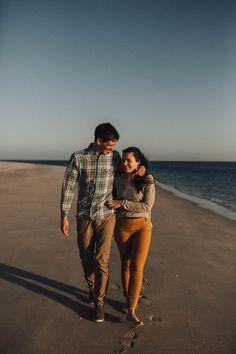 Beach engagement shoot // Tróia engagement shoot // Intimate beach engagement // Helena Tomas Photography