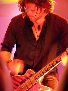 Dean Roland of Collective Soul Collective Soul, Great Bands, Rock Stars, Rockers, Rock N Roll, Make Me Smile, Dean, Beautiful Men, Singer