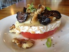 goat cheese with walnuts tapa