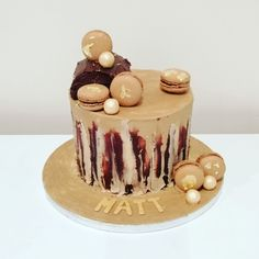 Naked coffee and walnut cake, macarons and gold leaf detail Coffee And Walnut Cake, Gold Leaf, Macarons, The Hamptons, Naked, Sketch, Detail, Book, Ethnic Recipes