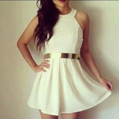 You con buy by internet. Beautiful drees.
