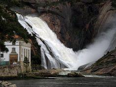 Cascada del Ézaro (Galicia). Fervenza do Ézaro. The Ézaro´s waterfall. La cascade du Ézaro.