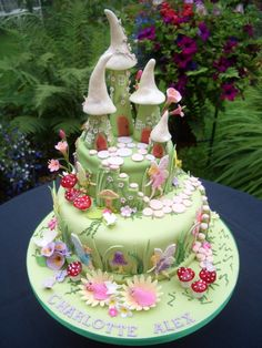 Fairy House Cake by Pats cakes. how bout this for a wedding cake ; Fairy House Cake, Fairy Garden Cake, Fairy Castle Cake, Garden Theme, Castle Cakes, Twin Birthday Cakes, Fairy Birthday Cake, Birthday Desserts, Fondant Birthday Cakes