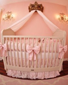 Crown and bow pink crib
