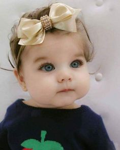 36 Ideas For Baby Pictures Girl Beautiful Eyes Cute Little Baby, Baby Kind, Pretty Baby, Cute Baby Girl, Little Babies, Baby Love, Precious Children, Beautiful Children, Beautiful Babies