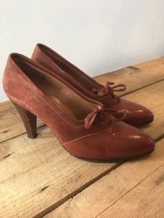 UK SIZE 3 WOMENS MADRAS BROWN LEATHER AND SUEDE VINTAGE STYLE HEELS COURT SHOES