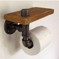 Toilet Paper Holder – Reclaimed Wood & Pipe, easy and bad ass. Pipe Furniture, Industrial Furniture, Furniture Vintage, Pallet Furniture, Furniture Ideas, Furniture Design, Rustic Toilet Paper Holders, Rustic Toilets, Paper Towel Holder