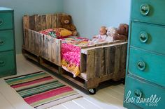 child bed made out of europallet