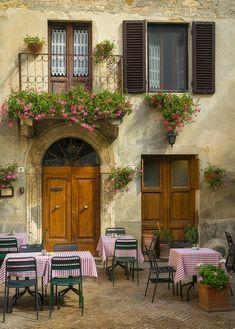 Rustic Italian Home – La Bella Vita Italian Style Home, Italian Home Decor, Mediterranean Home Decor, Italian Cottage, Italian Cafe, A Pontenova, Tuscan Decorating, Tuscany Italy, Tuscany Decor