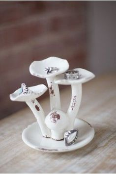 White mushrooms ring holder - Earthbound Trading Co.