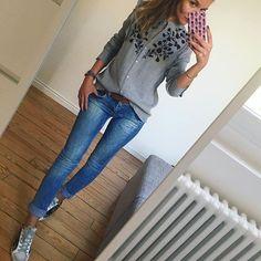 Comme un mercredi ❤️ #outfit#outfitoftheday#dailypost#dailylook#dailyoutfit#instafashion#instadetails#fashionpost#fashionblogger#fashiondiaries#wiwt#metoday#picoftheday blouse#zara jean(old)#mango baskets#goldengoose