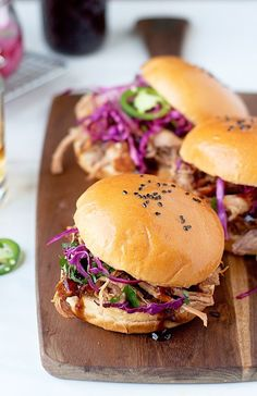spicy pulled pork sandwiches with homemade whiskey bbq sauce