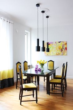 #interiordesign by #idalestinendesign #inspiration #interior #inredning #decor #diningroom #Kenzofabrics #yellow #black #sisusttus #sisustussuunniteelijaSI #sisustussuunnittelija #sisustussuunnittelutomisto #kerrostaloasunto #asunto #koti #ruokailutila #ruokailuhuone #ruokailuryhmä #remontti