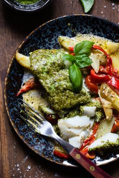 Palak Paneer, Pesto, Nom Nom, Food And Drink, Ethnic Recipes, Cosy, Red Peppers