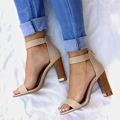 Some Shine Metallic Accent Chunky Heels #chunky #metallic #heels #singlesole #shiny #nude #jeans #shoes #gojane