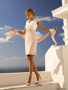 Linea Raffaelli Santorini | Short dress in pink & off white with a short lace sleeve & lace application | occasion wear