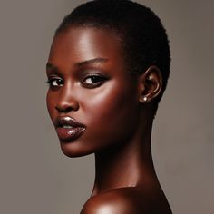 putitonmydash: Nyajame 'Neo Bol' Yakuac my standard of beauty. Dark Skin Beauty, Beauty Shots, Ebony Beauty, African Beauty, Beautiful Black Women, Black Girls, Beauty Women, Fashion Photography, Photography Women