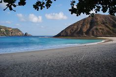 MAWUN BEACH-LOMBOK |  travelbasic.blogspot.com