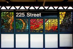 An App That Helps You Locate Artworks Around New York Subway. Arts for Transit.