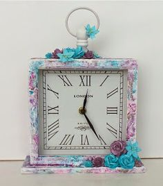 Playing with Shimmerz paints.....well I just love every minute!   This clock was just so much fun to make!   My last post was a dress form ...