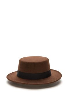 PEDIDOS SOLO POR #ENCARGO  Código: GJ-17 Flat Out Felt Boater Hat Color: Brown  Precio: ₡14.500  Whatsapp ☎8963-3317, escribir al inbox o maya.boutique@hotmail.com  Envíos a todo el país. #MayaBoutiqueCR ❤