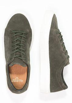 Royal RepubliQ ELPIQUE SEASON SHOE - Sneaker low - olive green für 139,95 € (06.01.17) versandkostenfrei bei Zalando bestellen.
