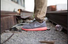 Girls wearing sneakers. Nike Roshe Run. #sneakers shoes2015.com
