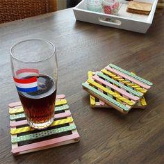 DIY mini pallets als onderzetters DIY mini pallets as coasters Nouk-san – make a ladder out of it Popsicle Stick Crafts, Popsicle Sticks, Craft Stick Crafts, Craft Stick Projects, Diy Father's Day Gifts, Father's Day Diy, Diy Tumblr, Mini Pallet, Diy For Kids