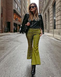 Robert Rodriguez (@robertrodriguezstudio) • Instagram photos and videos Green Plaid Pants, Khaki Pants, Zara Suits, Oprah, Simple Outfits, Stay Warm, Fashion Advice, What To Wear, Mens Fashion