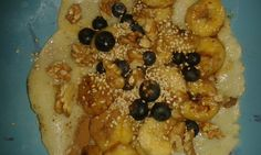 Lecker, lecker, Dinkelpfannekuchen mit Sesam und Obst