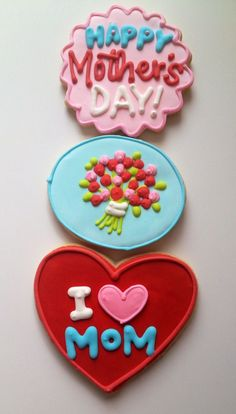 Sugarcraft cookie designs, hearts and floral bouquets - Mothers Day cakes and baking inspiration Mother's Day Cookies, Summer Cookies, Fancy Cookies, Iced Cookies, Cute Cookies, Royal Icing Cookies, Cupcake Cookies, Mothers Cookies, Mothers Day Desserts