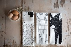 Great artistic style—3 printed barnyard tea towels—iconic illustrations❣ Gingiber