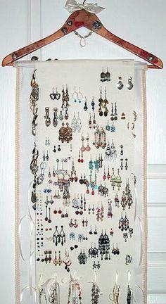 Jewelry organizer idea #jewelryorganizertips