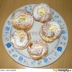 Nadýchané věnečky 50 ks za 65,- Kč Czech Recipes, Bagel, Doughnut, Sweet Tooth, Bread, Czech Food, Hampers, Fine Dining, Breads